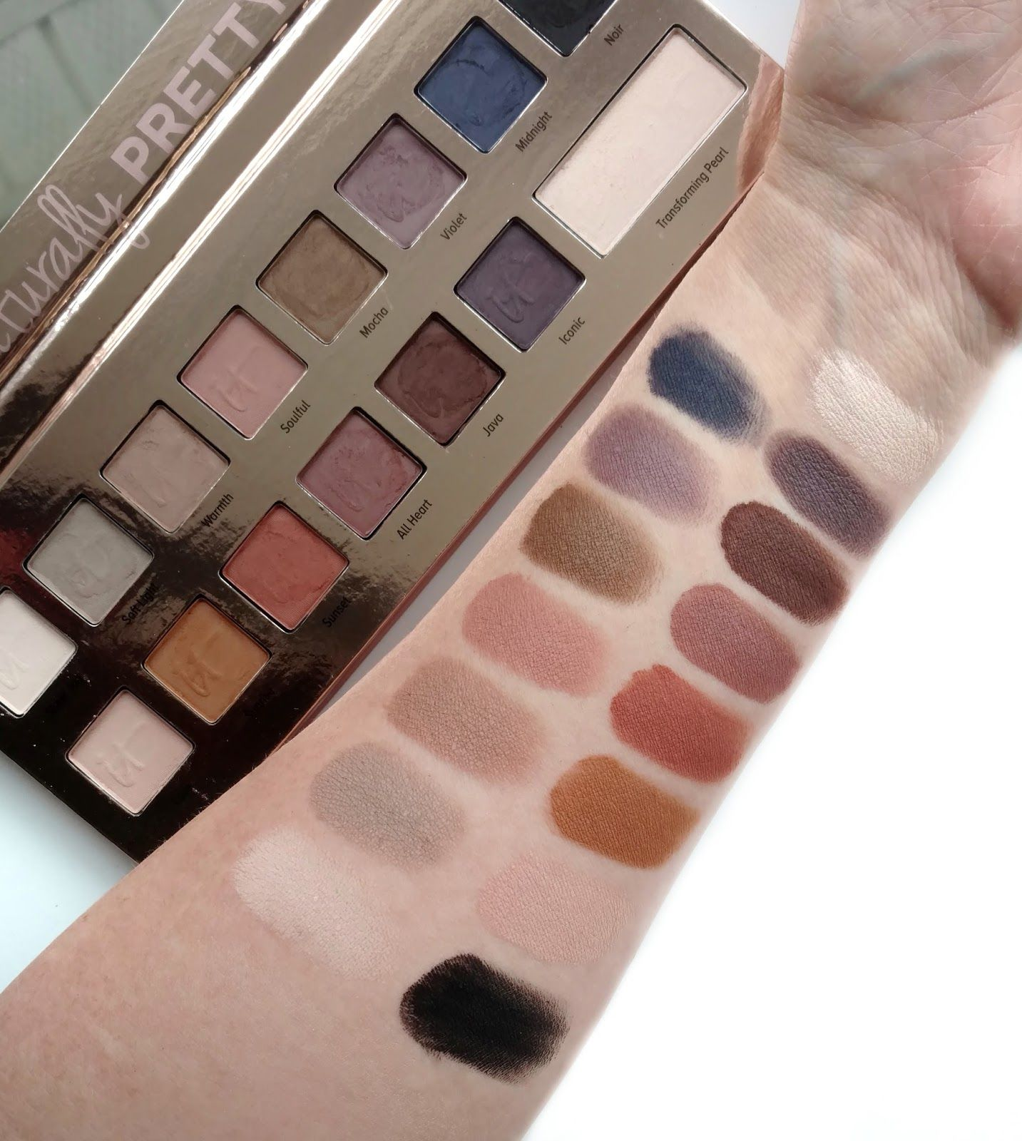 Naturally Pretty Matte Luxe Transforming Eyeshadow Palette by IT Cosmetics #6