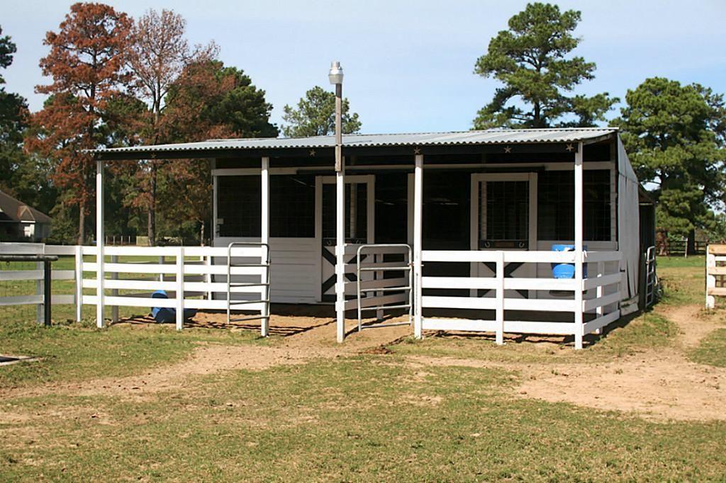 25407 decker prairie rosehl rd magnolia tx 77355 7914 for 2 stall horse barn