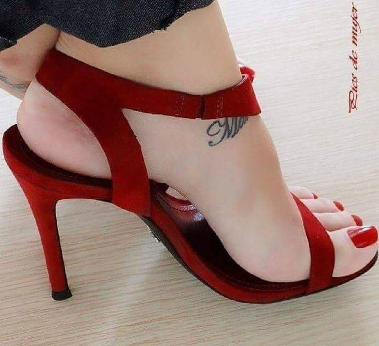 Only sexy feet | Quotes | Pinterest