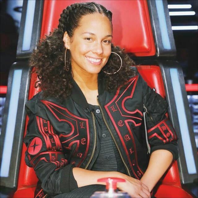 Pin By Alyssa Greene On Hair Ideas Alicia Keys Hairstyles Alicia Keys Alicia Keys Style