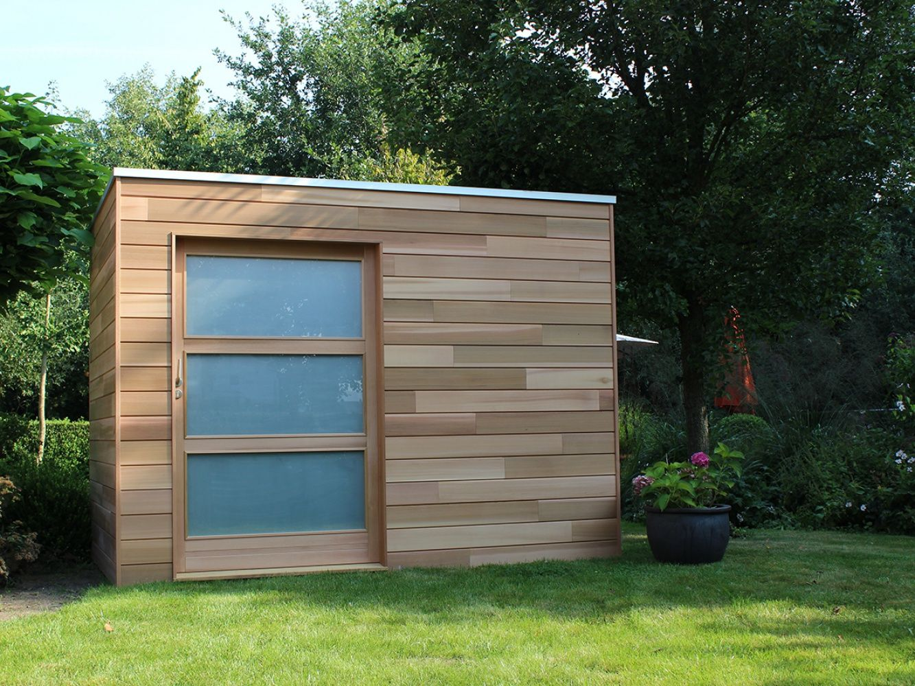 Cubeco Modern Houten Tuinhuis Abri De Jardin Jardin Contemporain Facade Maison