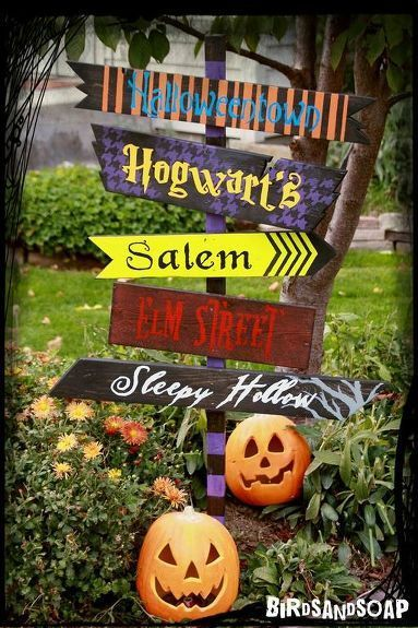 I made this sign over the weekend using scraps from my wood pile. It was FREE and a fun project to do with my niece. We used the locations from our favorite Halloween movies. Which ones are yours?? #Halloween