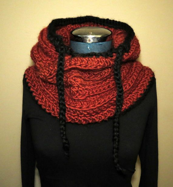 #Farbbberatung #Stilberatung #Farbenreich mit www.farben-reich.com Chunky Knit Scood Hooded Cowl Crochet Knitted von GnarlyKnitsGroup