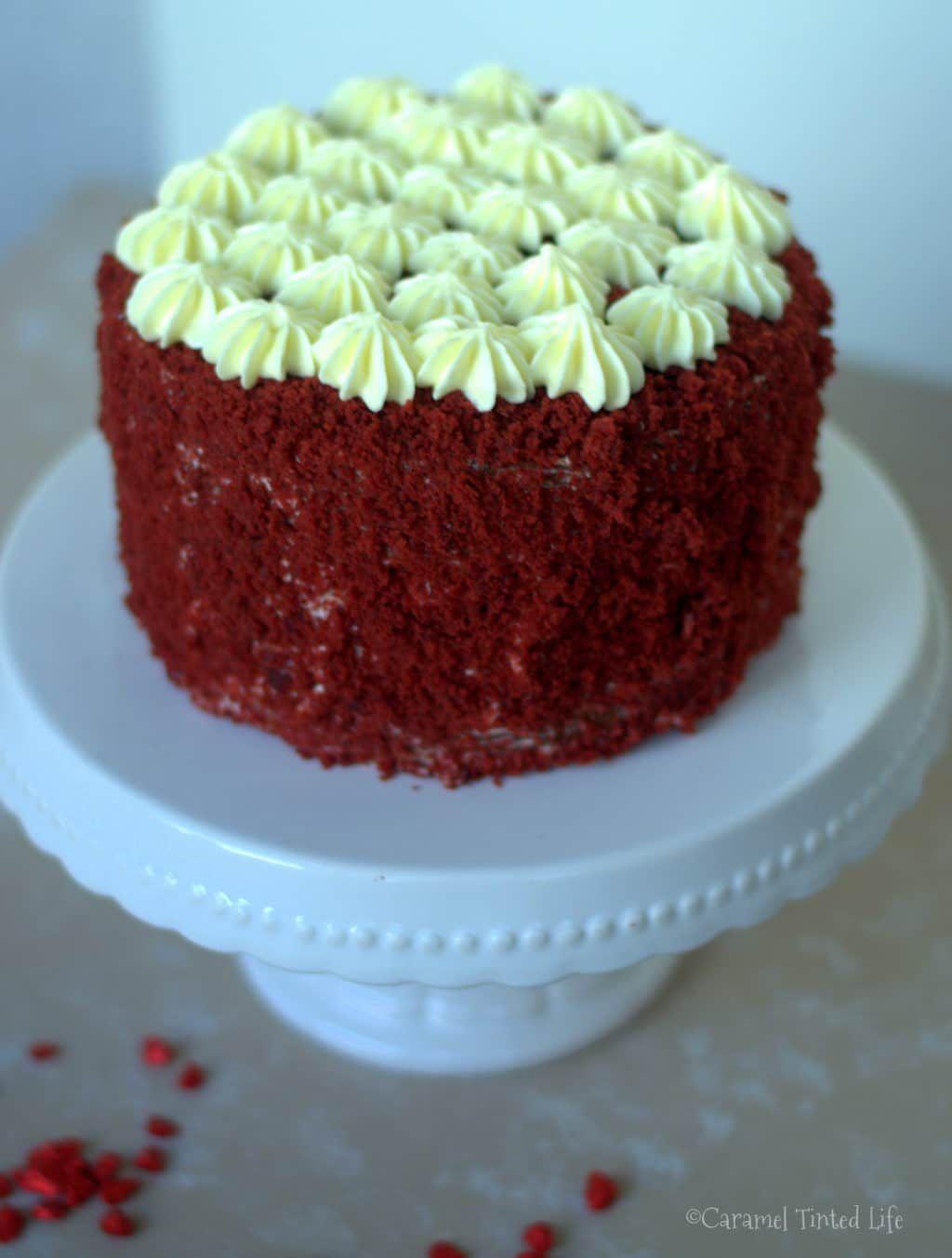 Red Velvet Cheesecake Cake | Caramel Tinted Life #redvelvetcheesecake