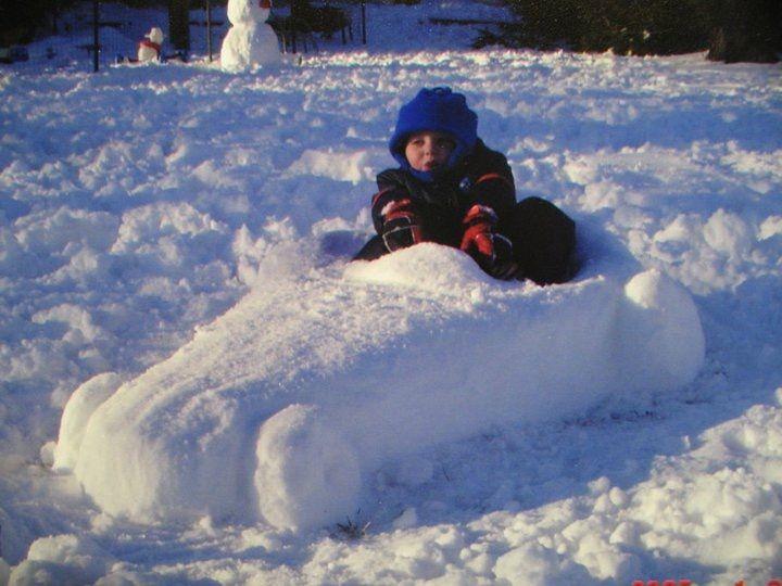 Car snow sculpture by Dawn Gould