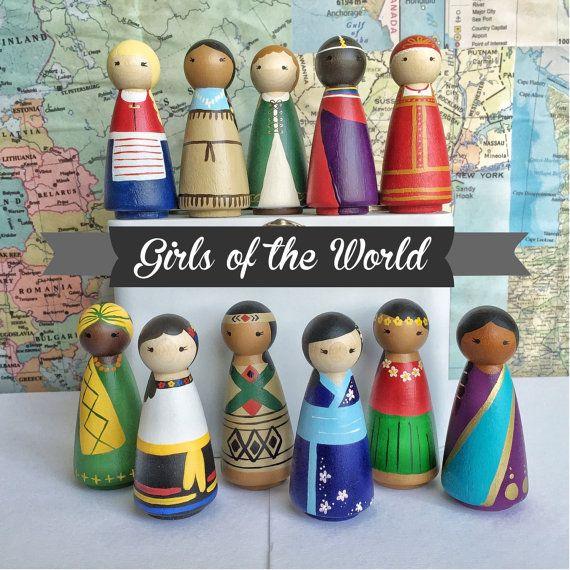 girls of the world hand painted peg dolls deko tipps pinterest puppen holzfiguren und. Black Bedroom Furniture Sets. Home Design Ideas