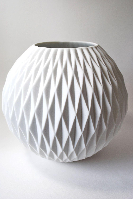 25 b sta modern vases id erna p pinterest vaser vas och tillbeh r heminredning. Black Bedroom Furniture Sets. Home Design Ideas