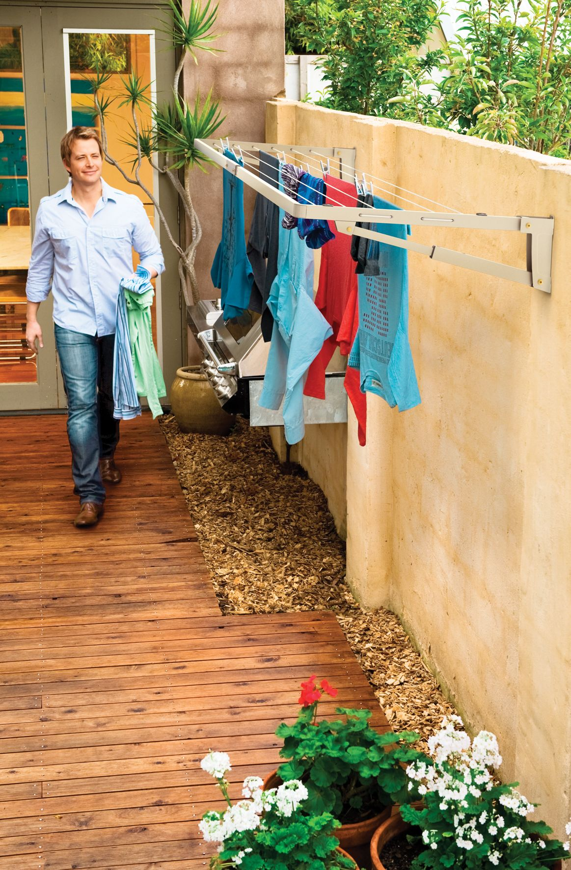 Good Supa Fold Compact Line: Hills Clothesline Products: Retractable Clotheslines,  Rotary Clotheslines, Clothes