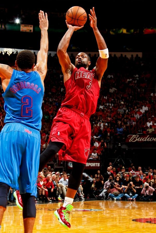 Wade Shows Off His Xmas Shoes While Shooting A Fade Away Jumper With Images Miami Heat Basketball Miami Heat Miami