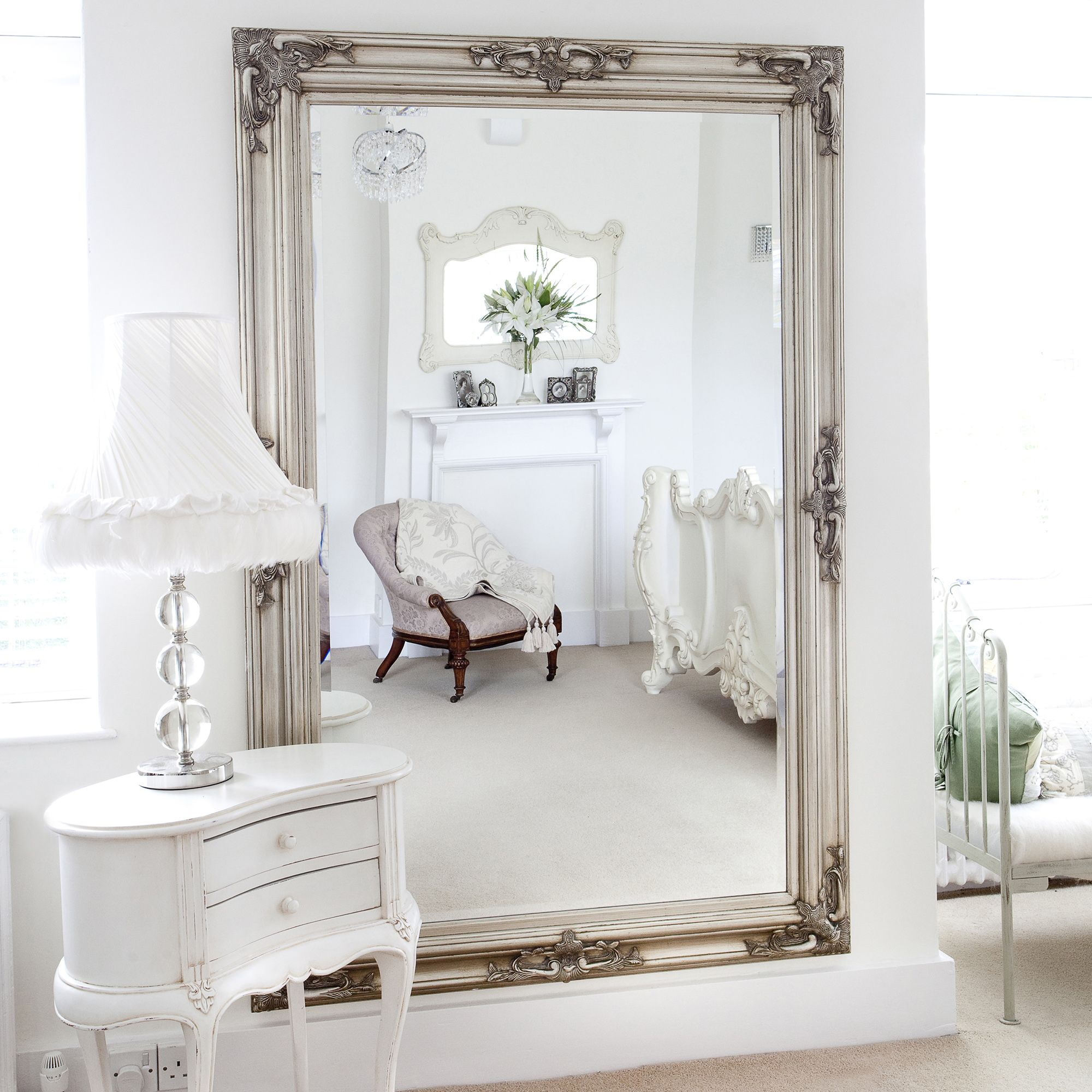 Classic ornate silver mirror interiores pinterest for Espejos decorativos dormitorio