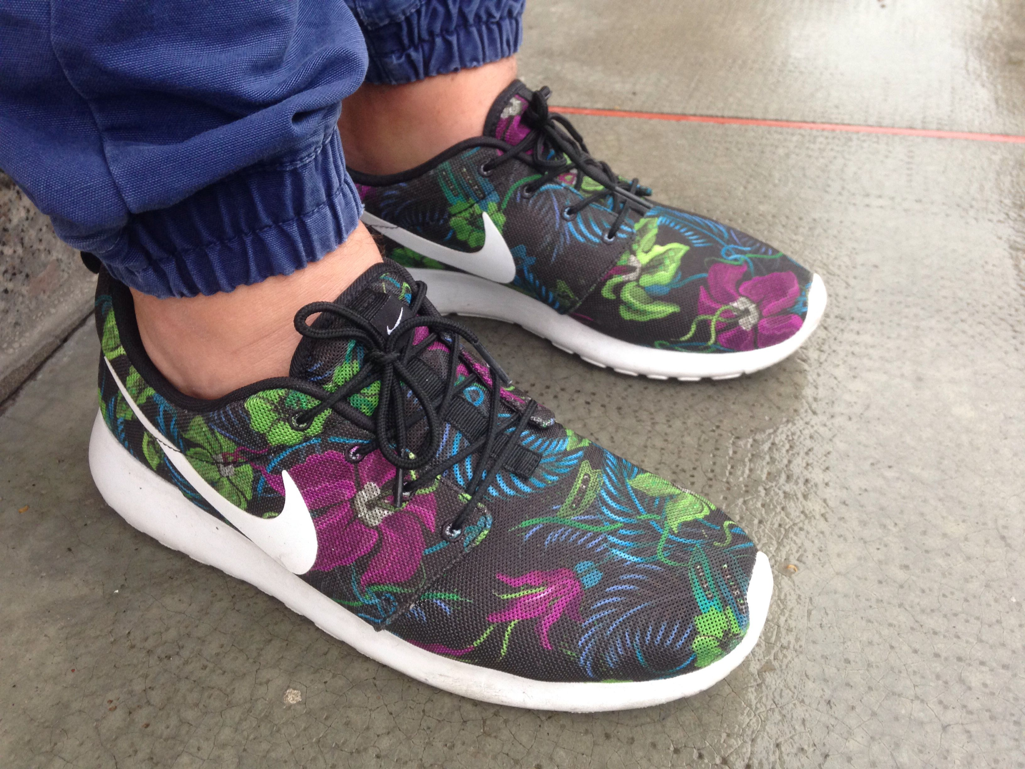 premium selection 3b1e1 108b7 Nike roshe run flower Only from Foot locker | foot friends ...