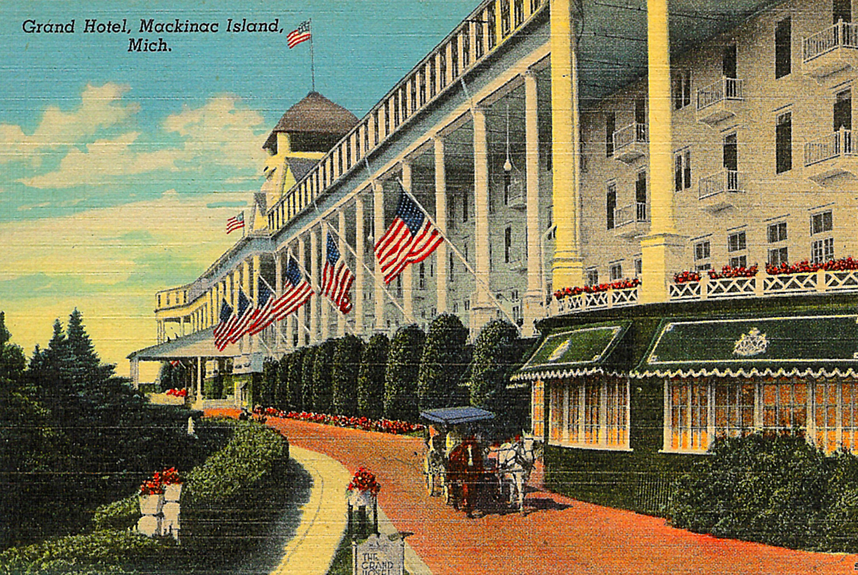 1887 : Grand Hotel Opens
