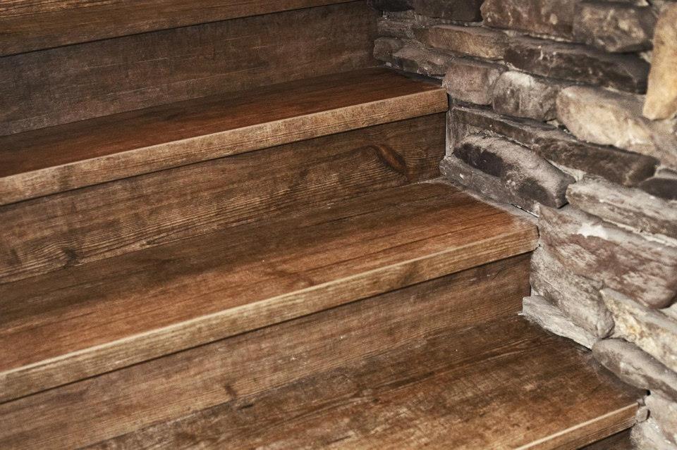 Gradini effetto legno for Rivestire una scala in legno