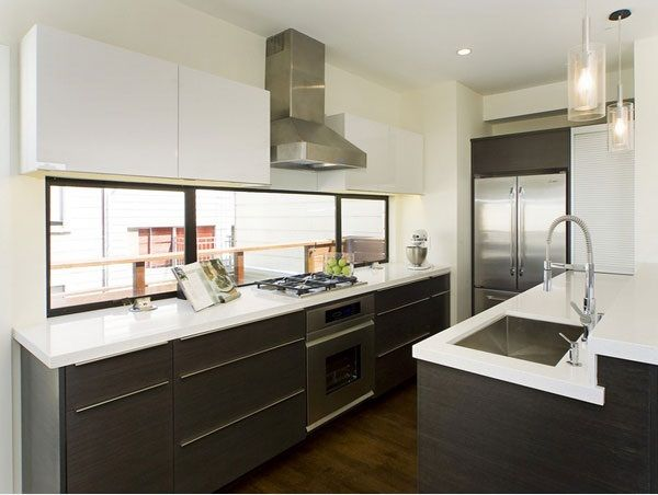 Mid Century Modern Kitchen With Two Tone Cabinets Windows Design Ideas San Francisco White
