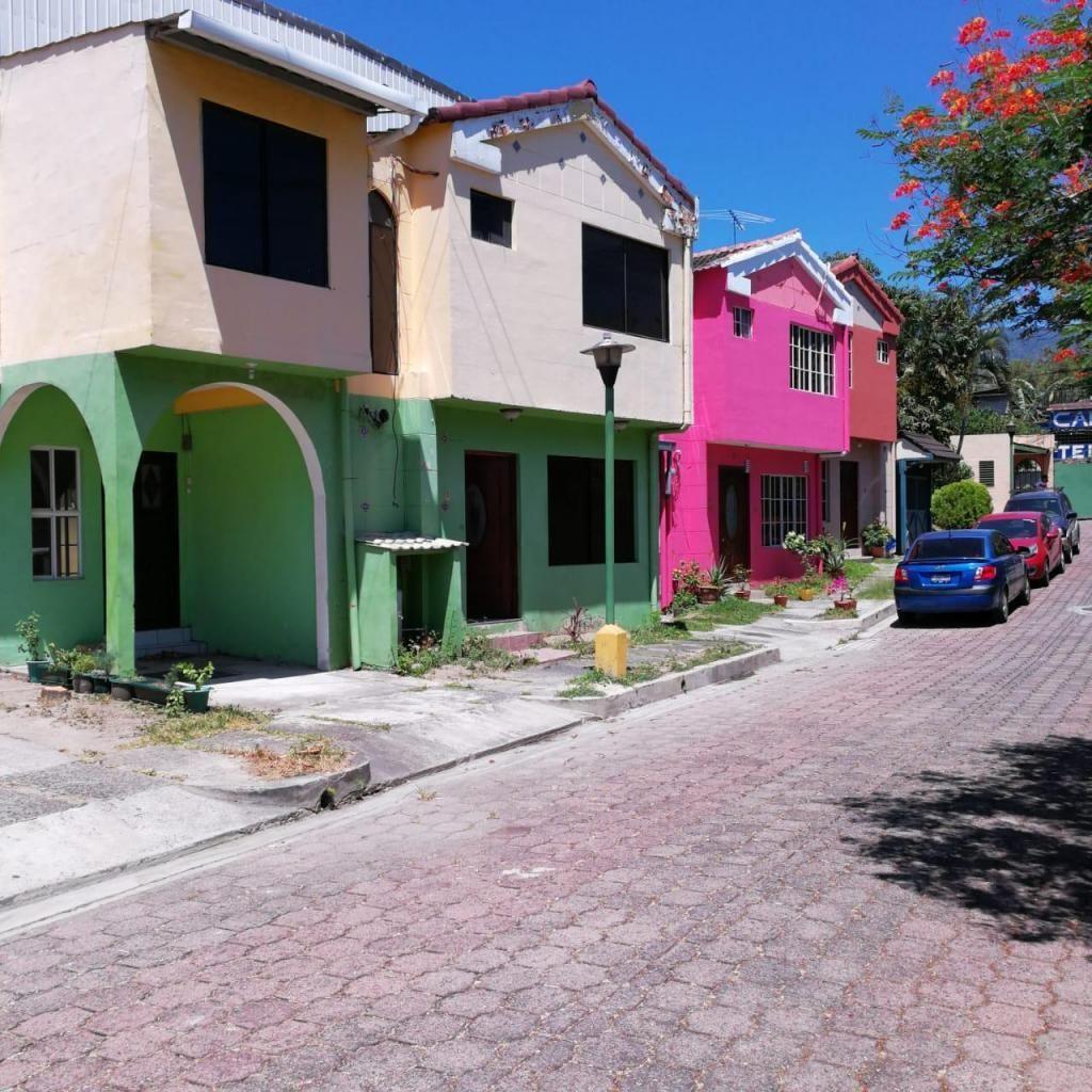 VENDO CASA EN VILLAS DE MIRAMONTE 【2018】 Casas en Venta