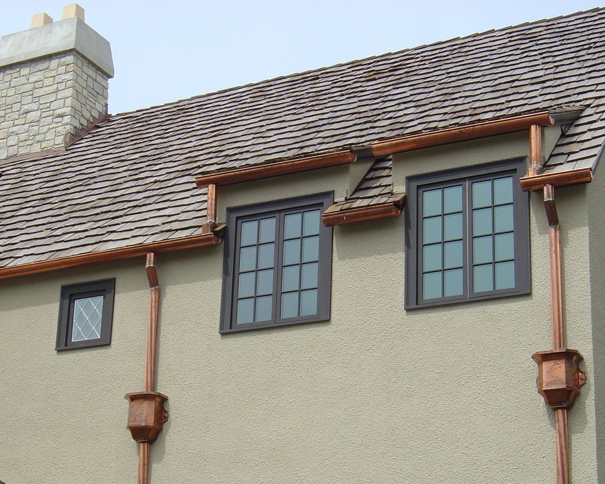Guttercleaning In South Sanfrancisco For You House Gutters Gutter Colors House Styles