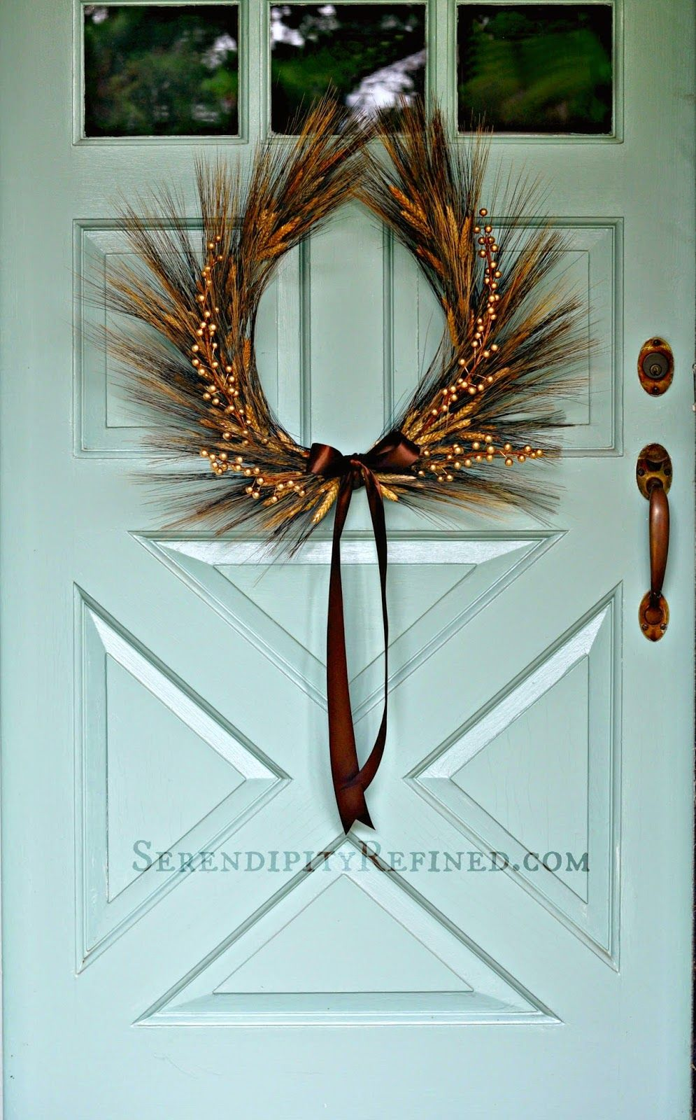 Serendipity Refined: DIY Horseshoe Shaped Natural Wheat Fall Wreath