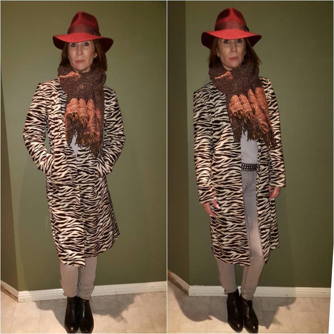 A hat a coat and a scarf. #work #workstyle #workwear #workwearflair #whatiworetoday #whatiworetowork #whatiwore #wiwt #wiw #tootd #todaysootd #tiw #todayiwore #autumn #bwsmag #SSWorkwear #chicworkchick by melarden