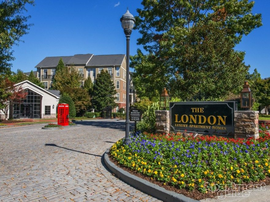 Apartment Of The Week The London Apartment Homes In Atlanta Ga Feature A Bark Park A Resident Herb Garden A Amazing Apartments Resort Style Pool Dunwoody