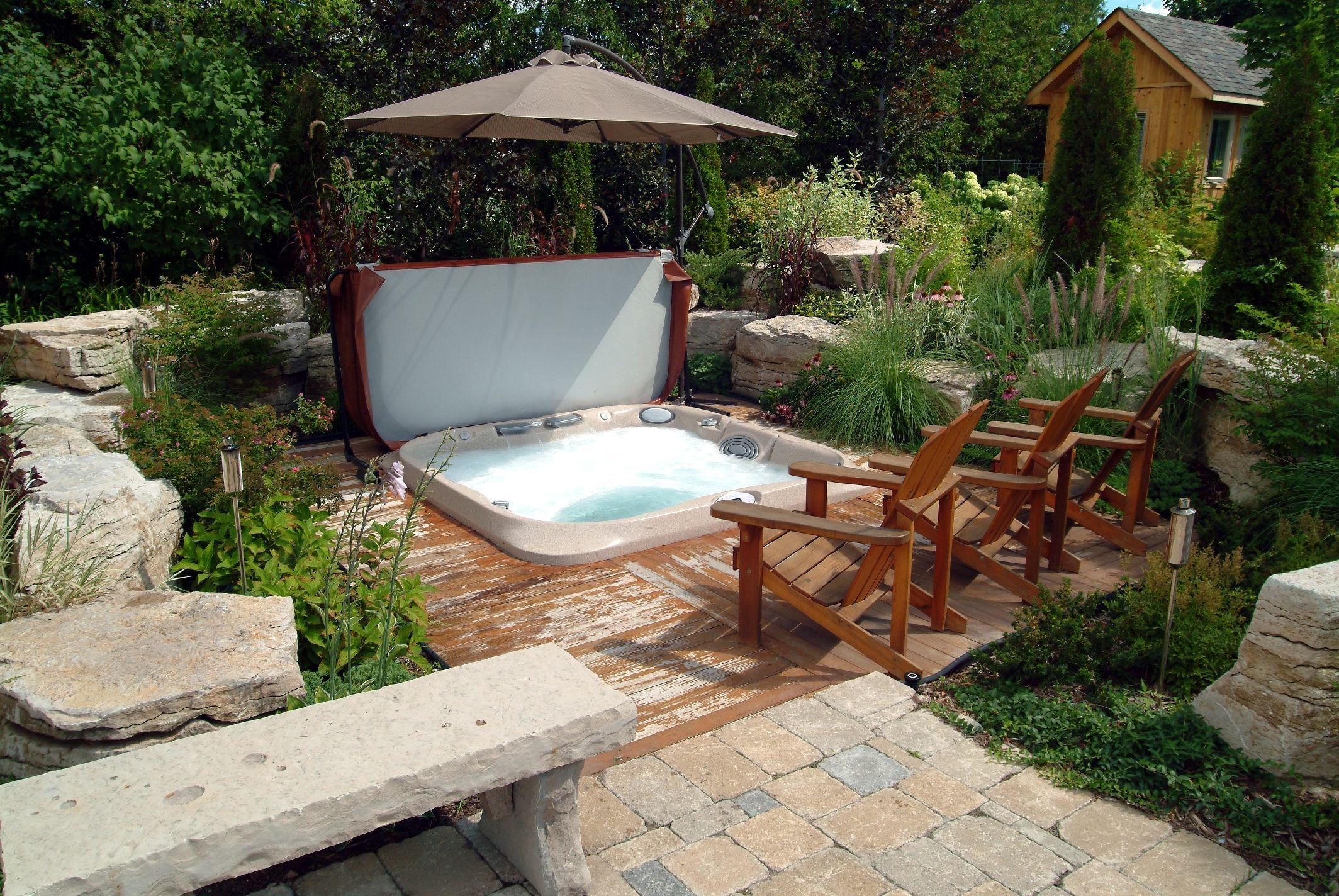 Id e d co un bel espace bien tre dans un jardin pour vous inspirer durant ces premiers beaux - Reposez vous dans un hamac design ...