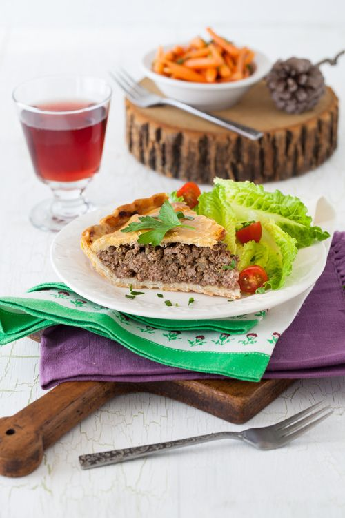 Traditional Tourtière - Canadian Meat PieQuick recipes + Christmas dinner ideas