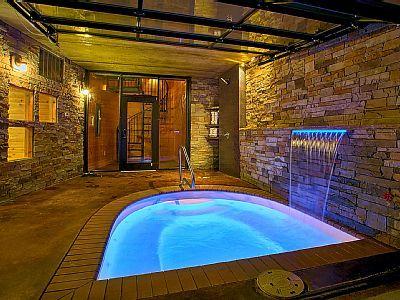 Romantic Modern Cabin With Indoor Pool Spa And Amazing Mountain Views Gatlinburg Indoor Pool Gatlinburg Cabin Rentals Modern Cabin