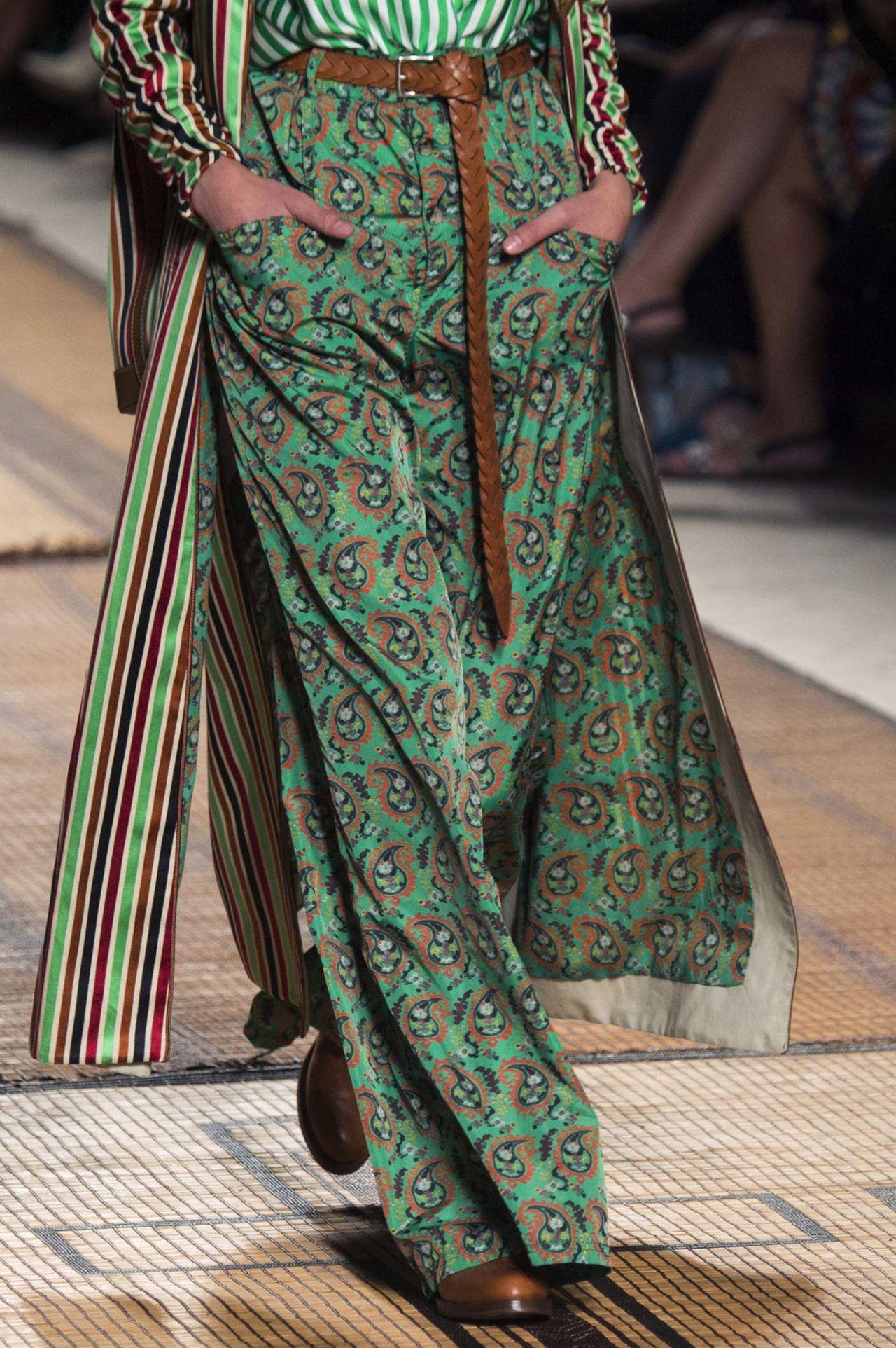 huge discount d3484 777e1 pantaloni larghi di seta | dikiş | Stile di moda, Pantaloni ...