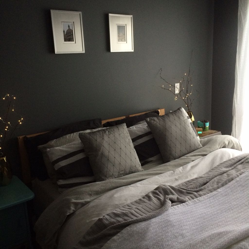 Benjamin moore gunmetal gray bedroom painted with aura in - Paint finish for bedroom ...