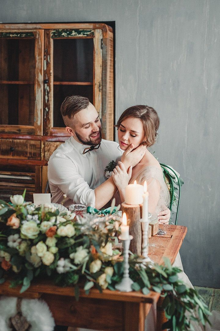 Rustic and cozy winter wedding styled shoot | fabmood.com #winterwedding #wedding #rusticwedding