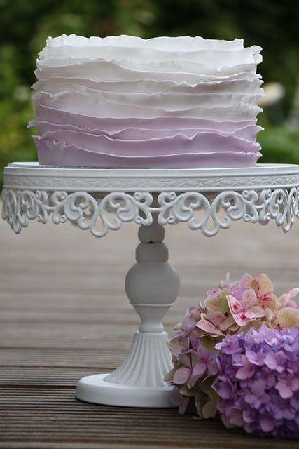 V Hochzeitstorte Klein Fliederfarben Ombrestyle Ruffles Beautiful