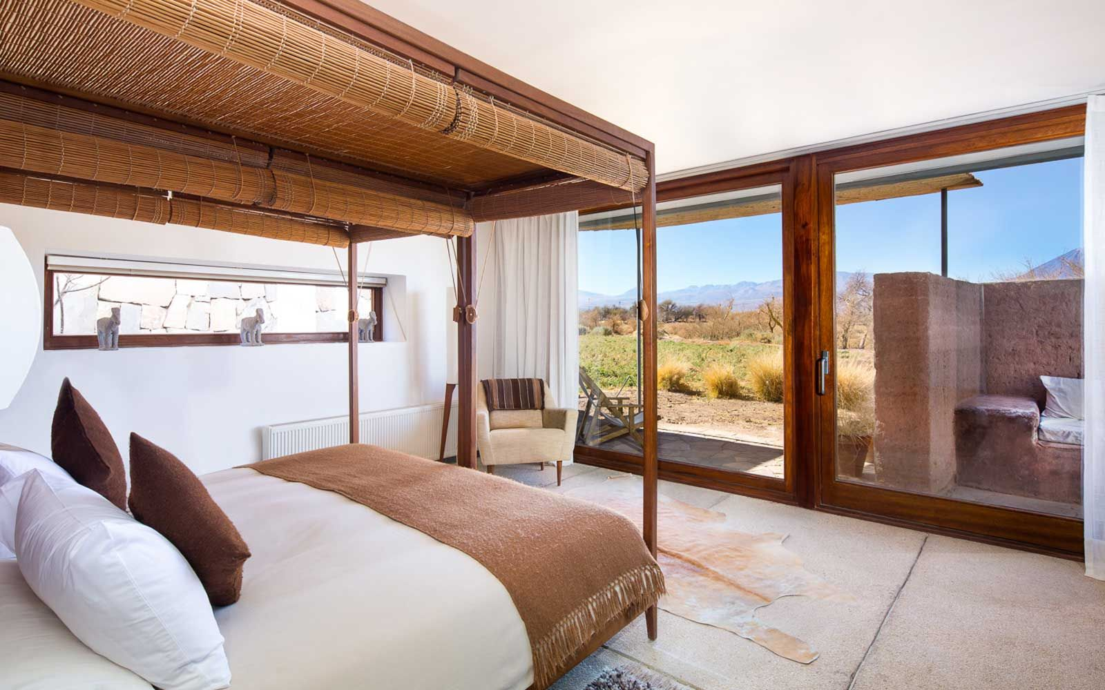 Top 10 Resort Hotels in South America   Resort rooms, Hotel, Airy room
