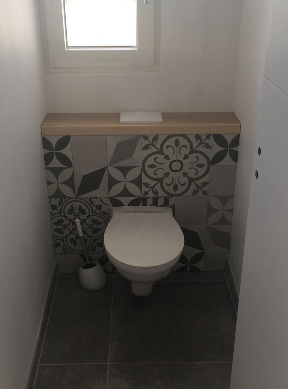 carreaux de ciment deco wc suspendu