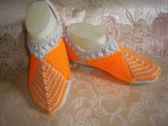 букет голубых фиалок вязание носки следки тапочки вязаные