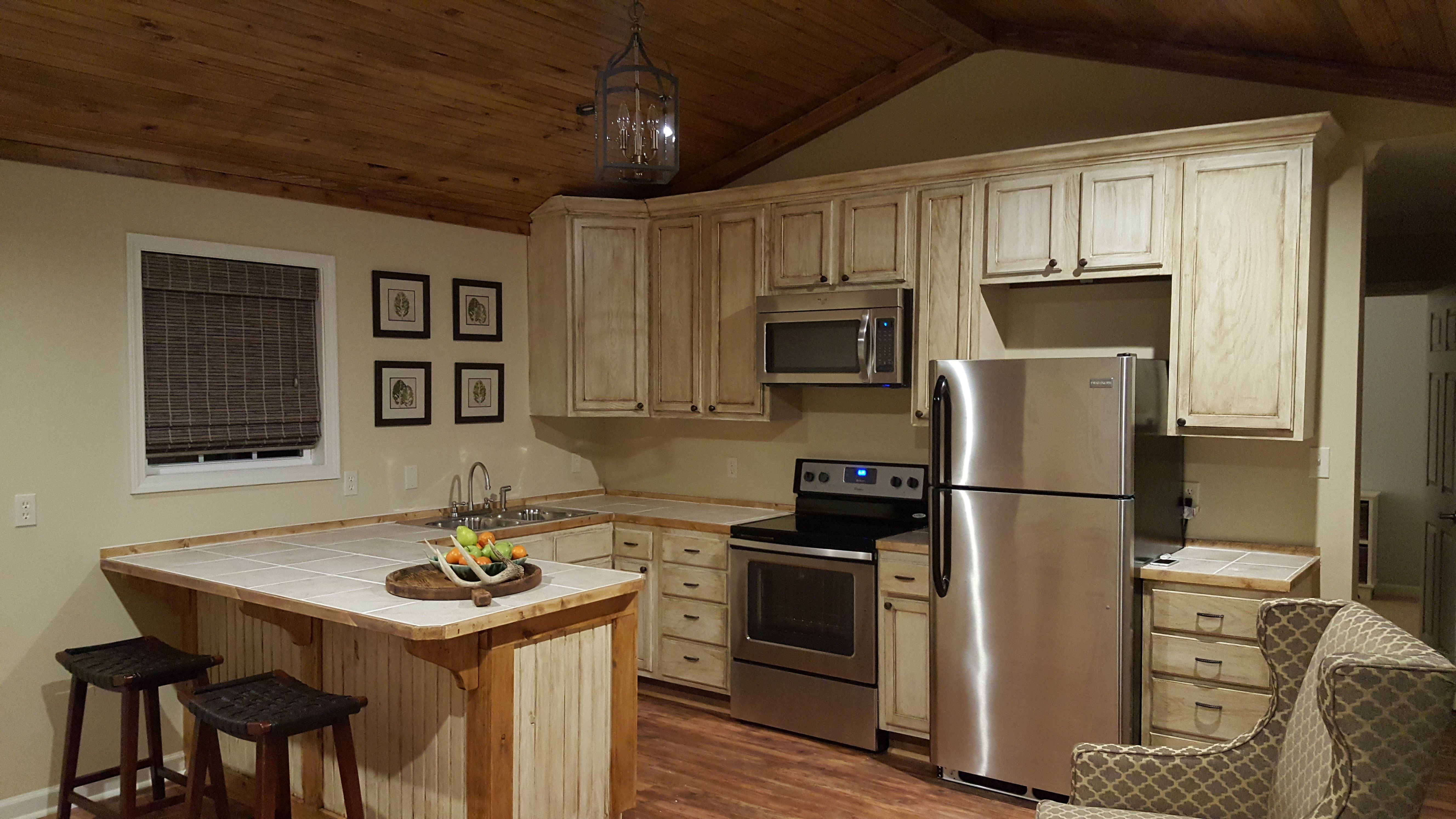 This Is Only A 512 Sq Foot Small 1 Bedroom Home That Offers A Spacious Kitchen And Living Room With Vaulted Ceilings Spacious Kitchens Kitchen Home