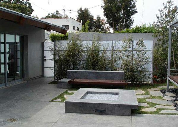 Moderne Gartenzäune schaffen Sichtschutz im Außenbereich #sichtschutzpflanzen