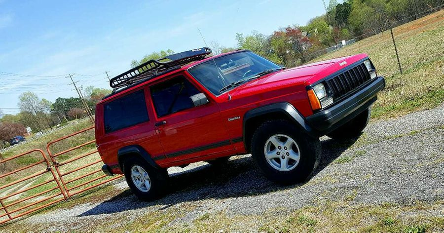 Used Jeep Cherokee Xj 5 Speed 4x4 For Sale In Hickory Jeep Cherokee Jeep Used Jeep Cherokee