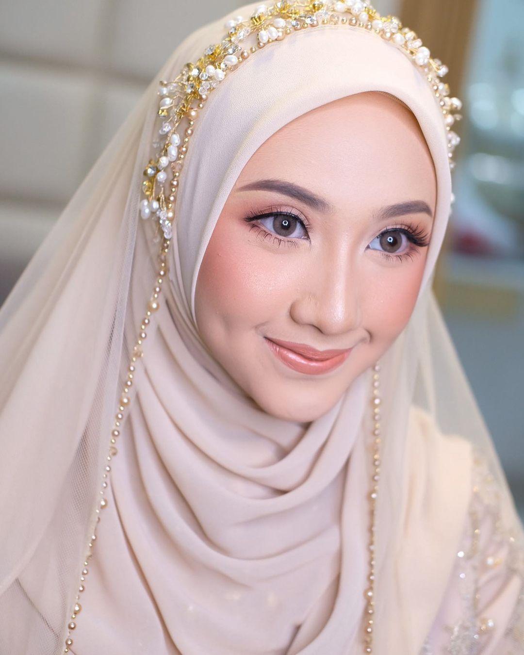 Natural Soft Makeup Untuk Pernikahanmu In 2021 Pernikahan Bulu Instagram