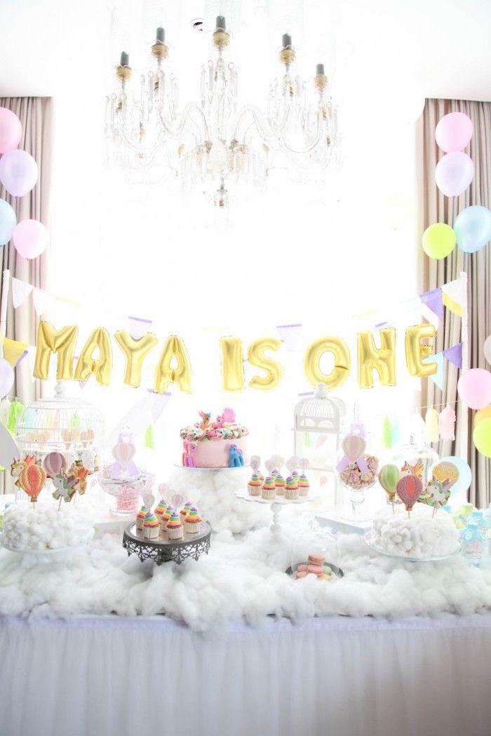 idée déco originale d\u0027un buffet d\u0027anniversaire licorne féerique et poétique  revêtu de