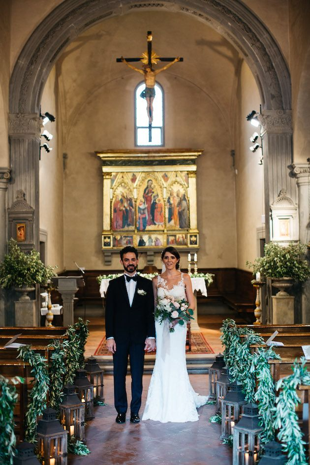 Traditional Italian Wedding In Florence With The Most Loved Up Couple Italian Wedding Traditions Italian Wedding Dresses Italian Wedding