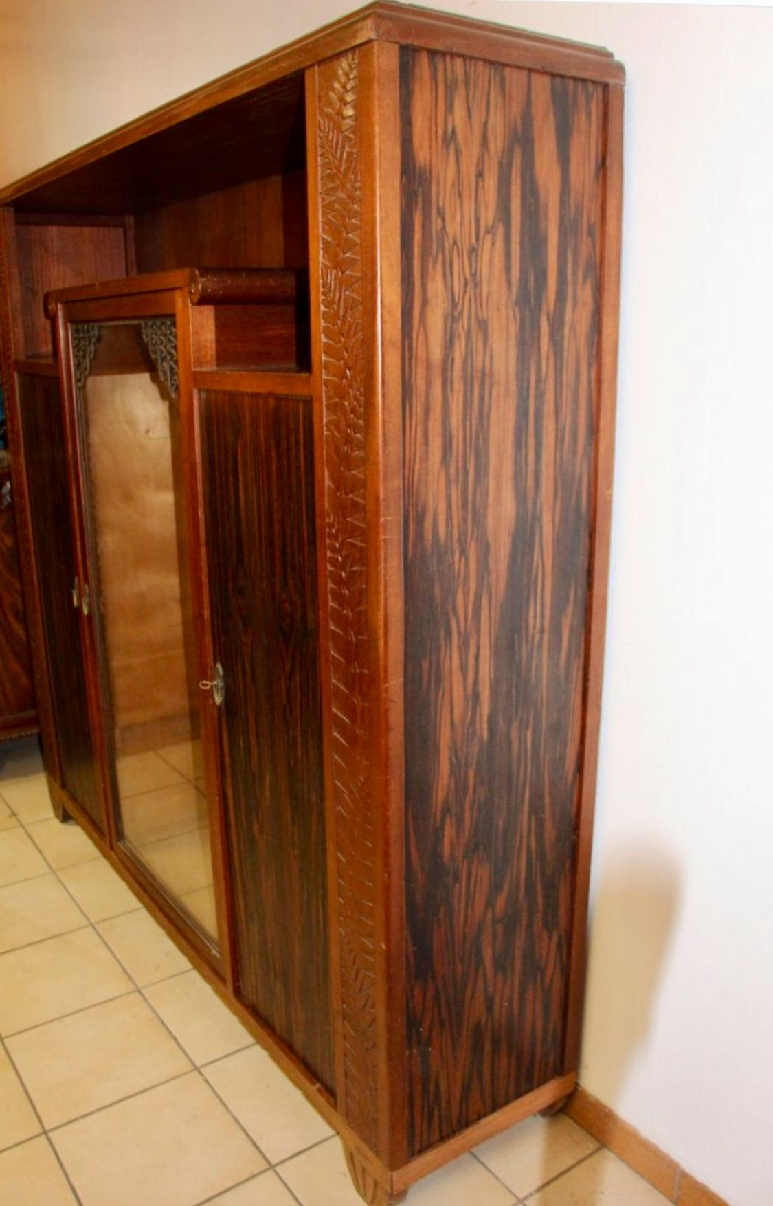 Pin Ot Polzovatelya Gungir Na Doske Mebel Furniture Art Deco Rezba Mebel