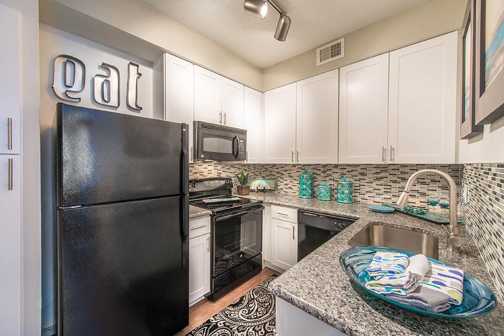 Texas Rentals Lakewood On The Trail Gallery Apartment Kitchen Texas Apartments Apartment Decor