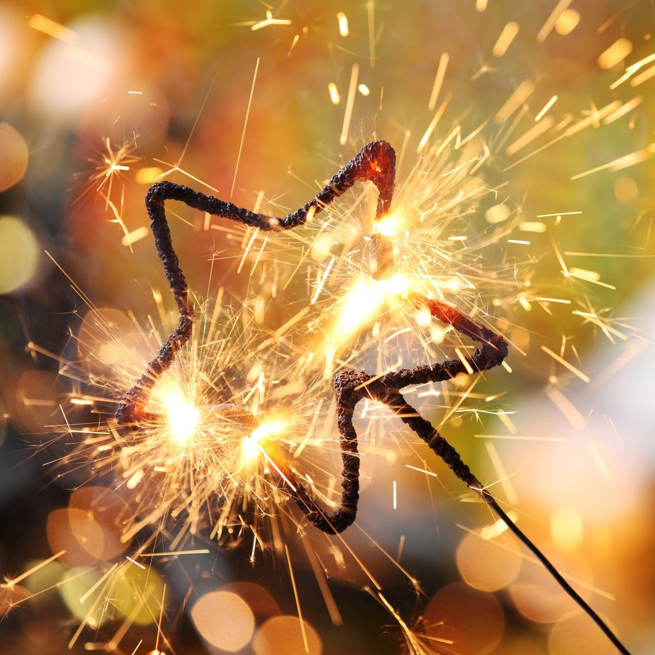 Where to Buy Sparklers (+ What Size To Get) |  #sparklersend-off #sparklers |