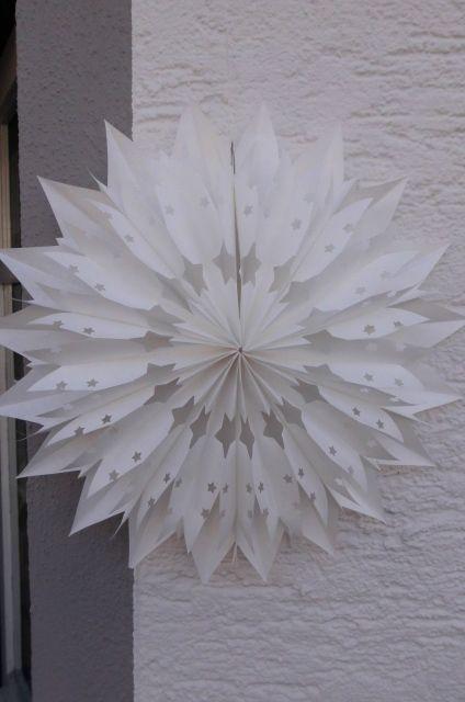 Wunderschöner Stern aus extra starken Butterbrottüten gefertigt.