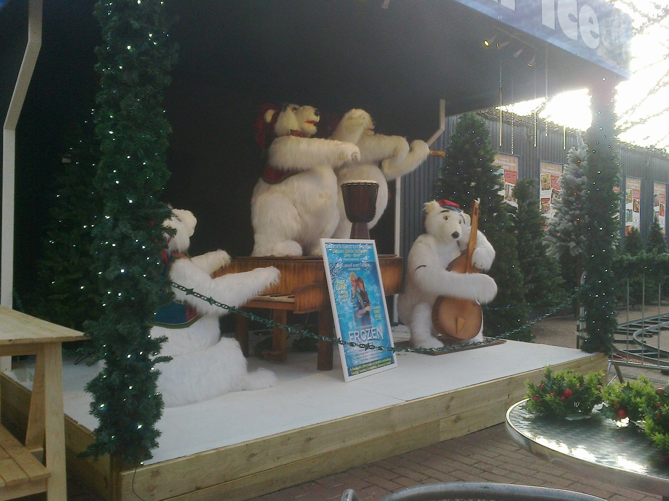 Christmas Bears at Brigg Garden Centre Christmas bear, Bed