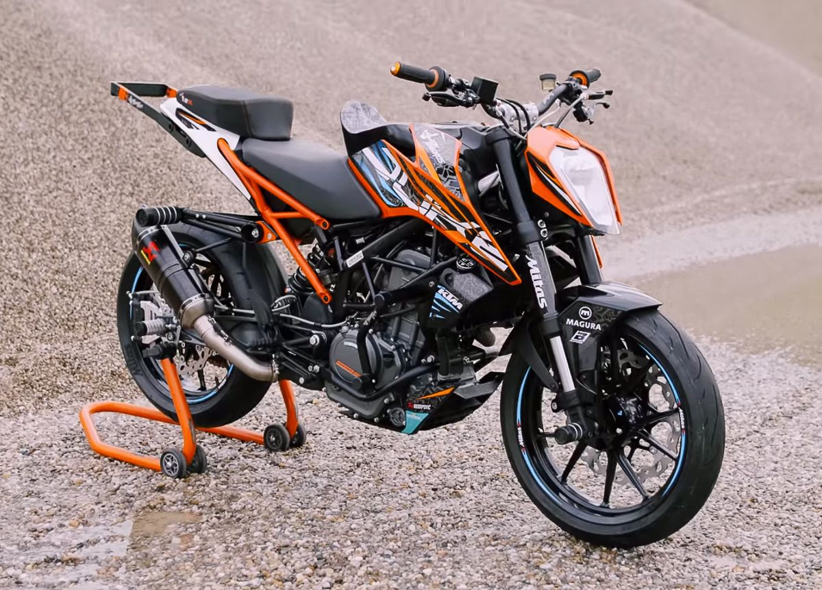 Rok Bagoros Has A New Toy To Play With This Year Which Come In The Form Of A 2018 Ktm 250 Duke Stunt Bike Fitted With All Of The Best Pa