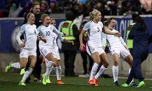 Ellen White's late winner lifts England women to 1-0 victory over USA