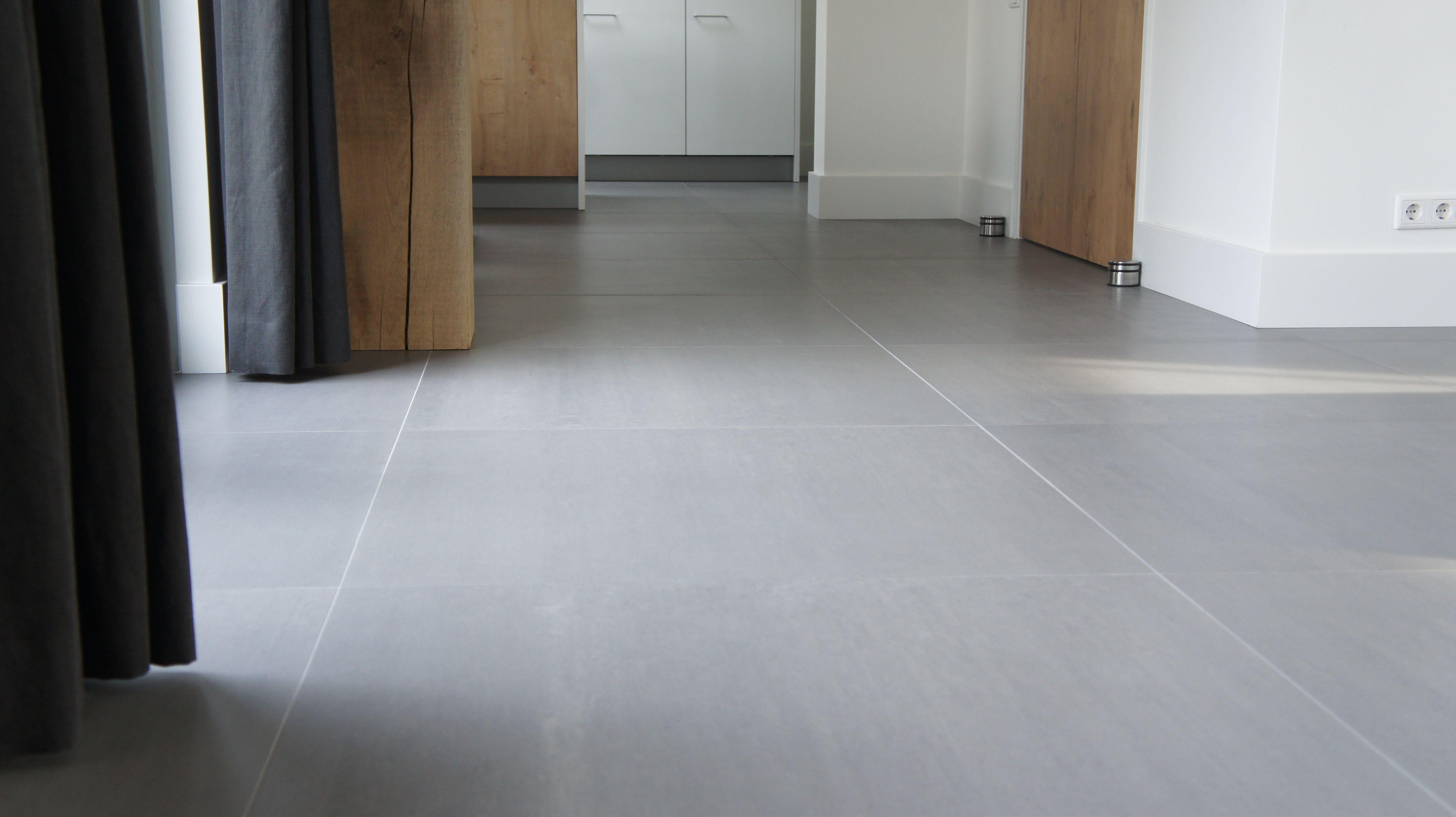 Tegelvloer betonlook antraciet 100 x 100 cm woonkamer/keuken ...