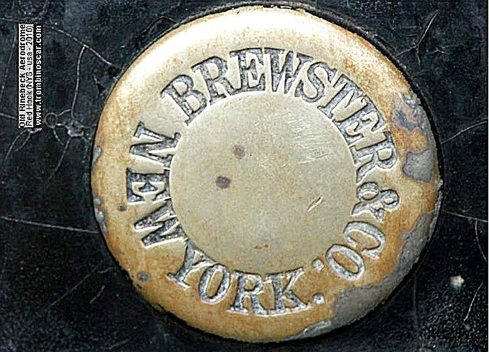 La marque de voitures automobile américaine Brewster fut fondée en 1915, pour arrêter sa production automobile en 1936.