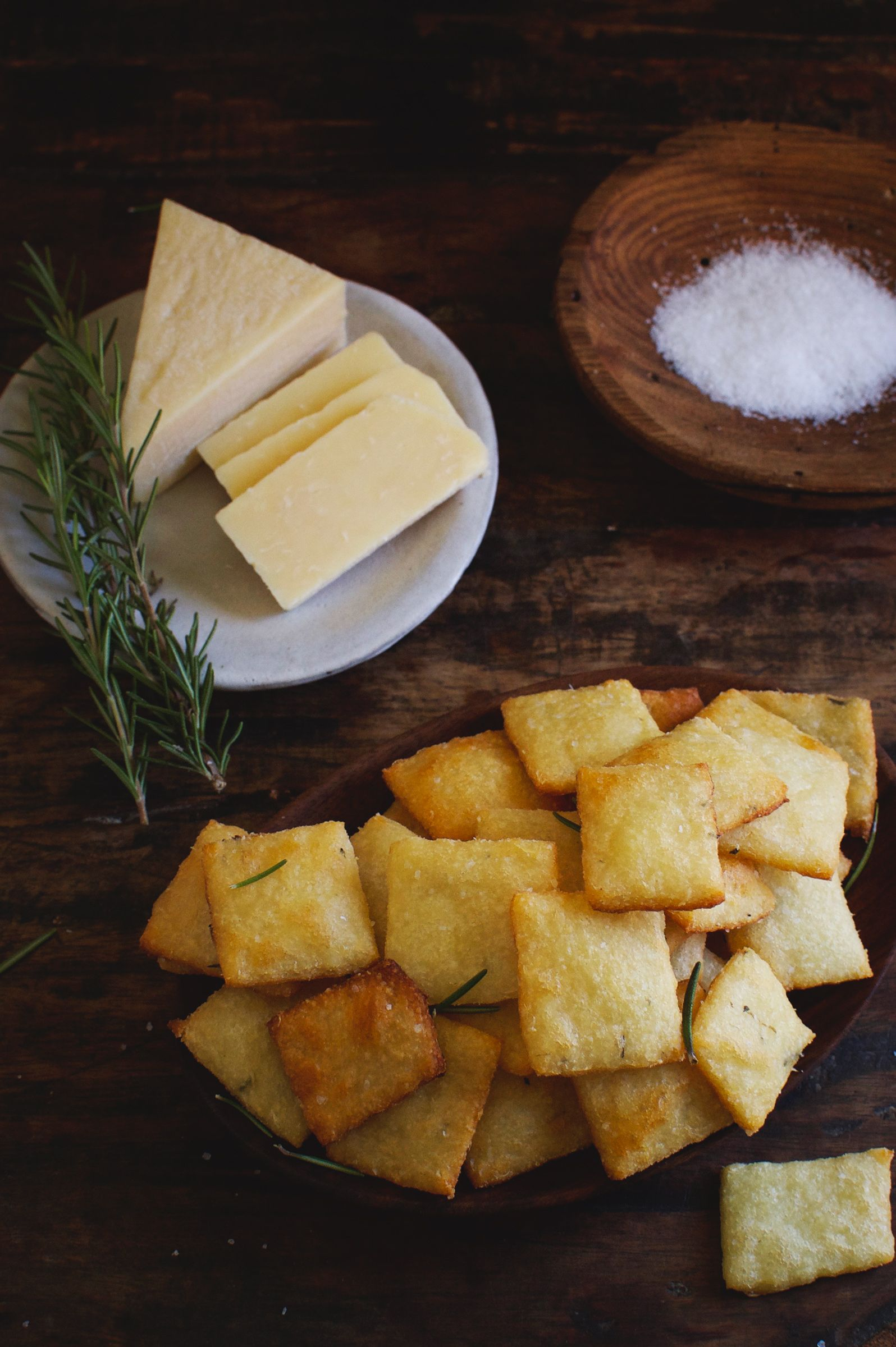 Low Carb Rosemary Parmesan Crackers Recipe Low Carb Crackers