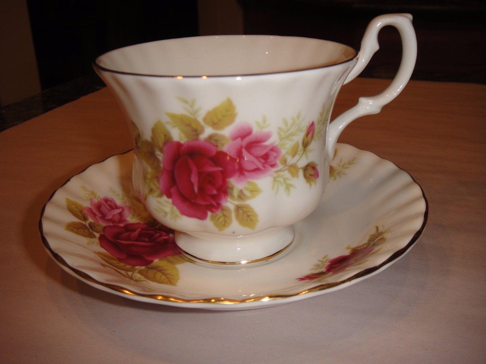 Royal albert bone china tea cup amp saucer winsome pattern ebay - In Pottery Glass Pottery China China Dinnerware